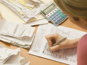 Who should make advanced payments on income taxes?
